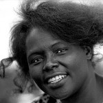 Wangari Maathai, en1989 alors qu'elle était leader du Green Belt Movement à Nairobi, Kenya. (Photo: David Blumenkrantz)