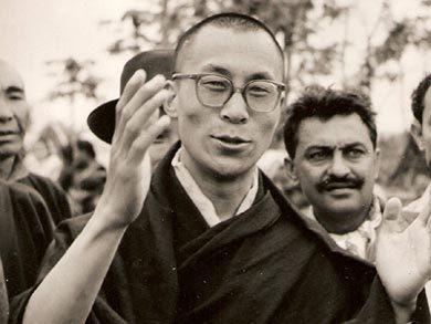 Le 31 mars 1959, le Dalai Lama quitte le Tibet pour trouver l'asile politique en Inde. (Photo: inconnu)