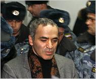 Arrestation de Garry Kasparov à Moscou. (auteur: Mikhail Metzel)