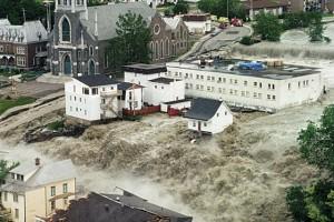 Inondations au Saguenay, Lac-Saint-Jean en 1996. (Photo: Pierre Côté)