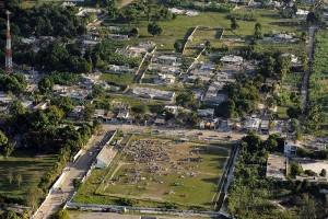 Dommages causés par le tremblement de terre à Port-au-Prince, Haiti, 13 janvier 2010. (Photo: domaine public)