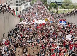 22 mai 2012: La CLASSE estime que 250 000 personnes ont participé à la manifestation. (Photo: Ryan Remiorz)