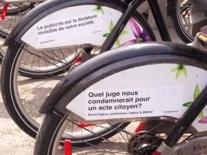 Avril 2012: nouveaux véhicules de la mobilisation sociale. (Photo: Isabelle Baez)