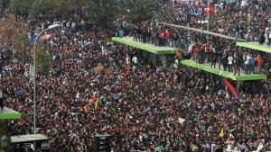 Manifestation étudiante chilienne en appui aux étudiants québécois, 2012. (Photo: Hector Retamal)