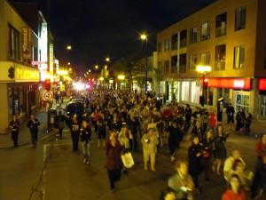 Anti-loi 78: Manifestation citoyenne de casseroles sur la rue Masson, dans le quartier Rosemont de Montréal, le 22 mai. (Photo: GFDL)