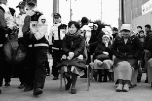 Résistance civile non-violente à Jeju, en Corée du Sud, contre la construction d'une base militaire. Lors d'un référendum en 2007,  94 % des votes s'opposaient à cette construction. (Photo: inconnu)