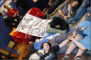 Action anti-recrutement à Montréal. (Photo: inconnu)