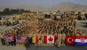 Afghanistan, 27 Septembre 2013: La Coalition Canada, États-Unis, Turquie, Roumanie et Croatie, durant l'Opération ATTENTION. (Photo: MCpl Frieda Van Putten, forces.gc.ca)