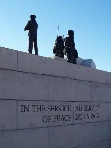 Au service de la paix... (Crédits: Flickr-Kasia)