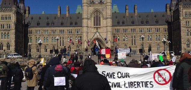 Manifestation à Ottawa contre le C-51. (Photo: RC)